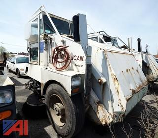 1999 Elgin Pelican Sweeper/S-810