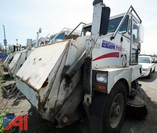2000 Elgin Pelican Sweeper/S-811