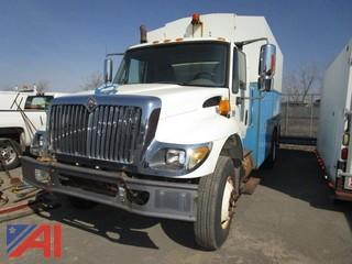 2007 International 7400 Line Truck