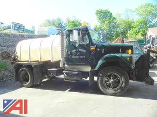 1993 International 2574 Truck w/ Tank