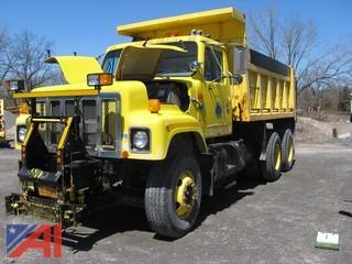 1999 International 2574 Dump Truck
