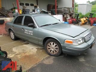 2005 Ford Crown Victoria Car