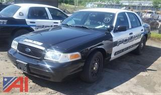 2010 Ford Crown Victoria 4 Door/ Police Interceptor