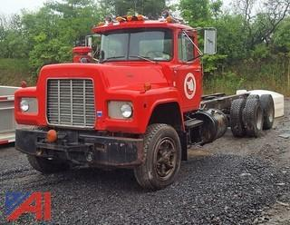 1988 Mack R688ST Cab & Chassis
