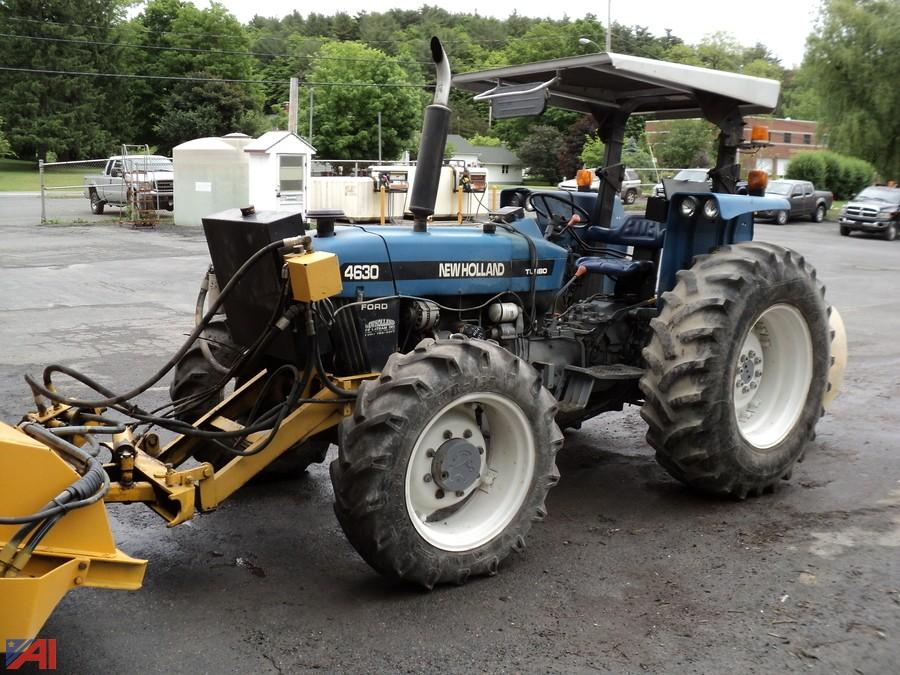 Auctions International Auction Town Of Coeymans Hwy Ny 14345 Item 1997 New Holland 4630 Tractor