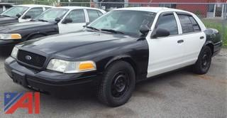 2008 Ford Crown Victoria 4 Door/ Police Interceptor