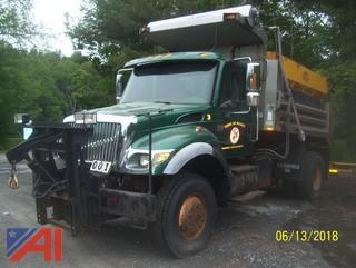 2005 International 7500 Dump Truck with Spreader
