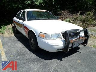 2011 Ford Crown Victoria 4 Door/ Police Interceptor