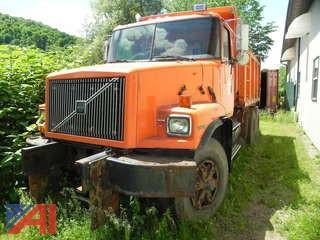 1999 Volvo WG Dump Truck