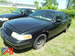 2002 Ford Crown Victoria 4 Door/Police Interceptor