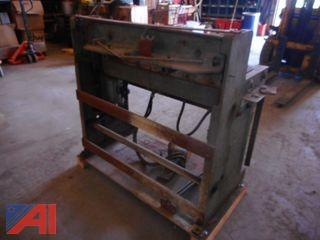 Famco 3' Pneumatic Tin Shear
