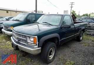 2000 Chevrolet 2500HD, 4WD Pickup Truck and Plow