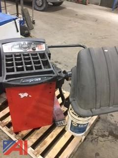 Snap-On Automotive Wheel Balancer