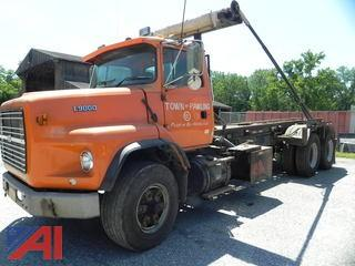 1996 Ford LTS9000 Roll Off Dumpster Truck