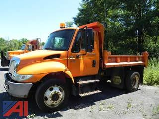 2004 International 4200 Dump with Plow