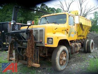 1991 International 2574 Spreader Truck