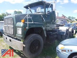 1990 Ford LT9000 Tractor