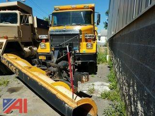 1990 Autocar Dump Truck with Plow