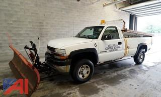 2002 Chevy Silverado 2500 HD 4WD Pickup Plow and Dump Truck