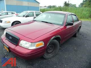 2002 Ford Crown Victoria 4 Door