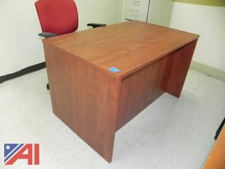 4' Desk and Chair (B6)