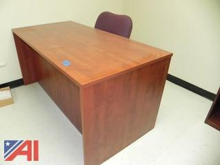 5' Desk and Chair (E20)