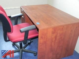 4' Desk and Chair (F24)
