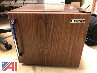 Sanyo Mini Refrigerator