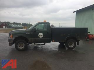 2000 Ford F350 Utility Truck with Plow