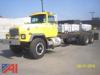 2003 Mack RD688SX Cab and Chassis
