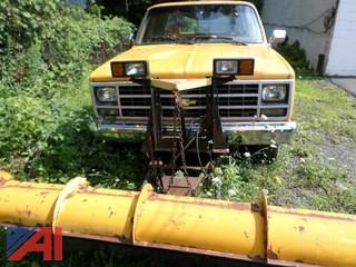 1989 Chevy Suburban  V15 SUV with Plow