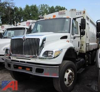 2005 International 7600 Packer Truck