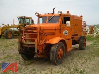 1959 Oshkosh W-700-15 Truck