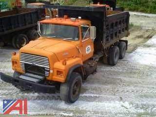 1988 Ford LT9000 Dump Truck