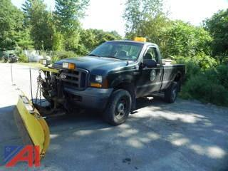2005 Ford F350 SD Pickup with Plow
