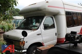 2002 Ford E450 Bus with Wheel Chair Lift