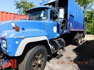 2002 Mack RD688S Packer Truck