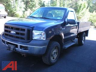 2007 Ford F250 SD XL 8' Flatbed Pickup