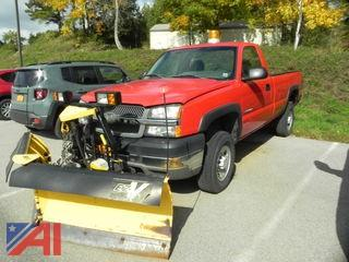 2004 Chevrolet Silverado 2500HD Pickup with Plow
