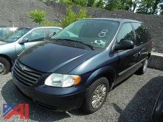 2007 Chrylser Town & Country Mini Van
