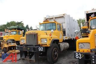 1990 Mack RD690SX Refuse Truck