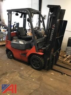 2004 Toyota 7FG0U20 Forklift