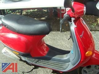 Piaggio Vespa 2000 Scooter