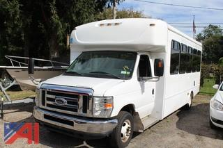2012 Ford/Starcraft E450 Bus with Wheel Chair Lift