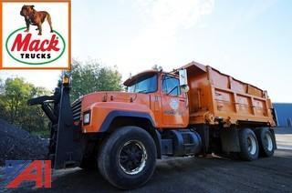 1998 Mack RD688S Dump Truck