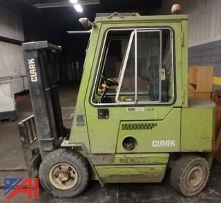 Clark DPS221 Diesel Forklift