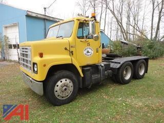 1983 International S2200 Tractor