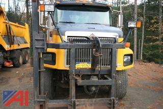 2003 International 5600i Cab and Chassis