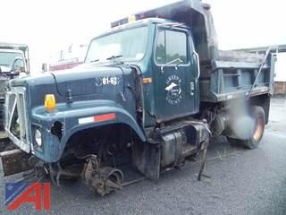 2001 International 2574 Dump Truck with Plow