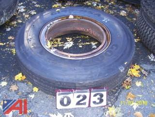 10.00R-22.50 Tire